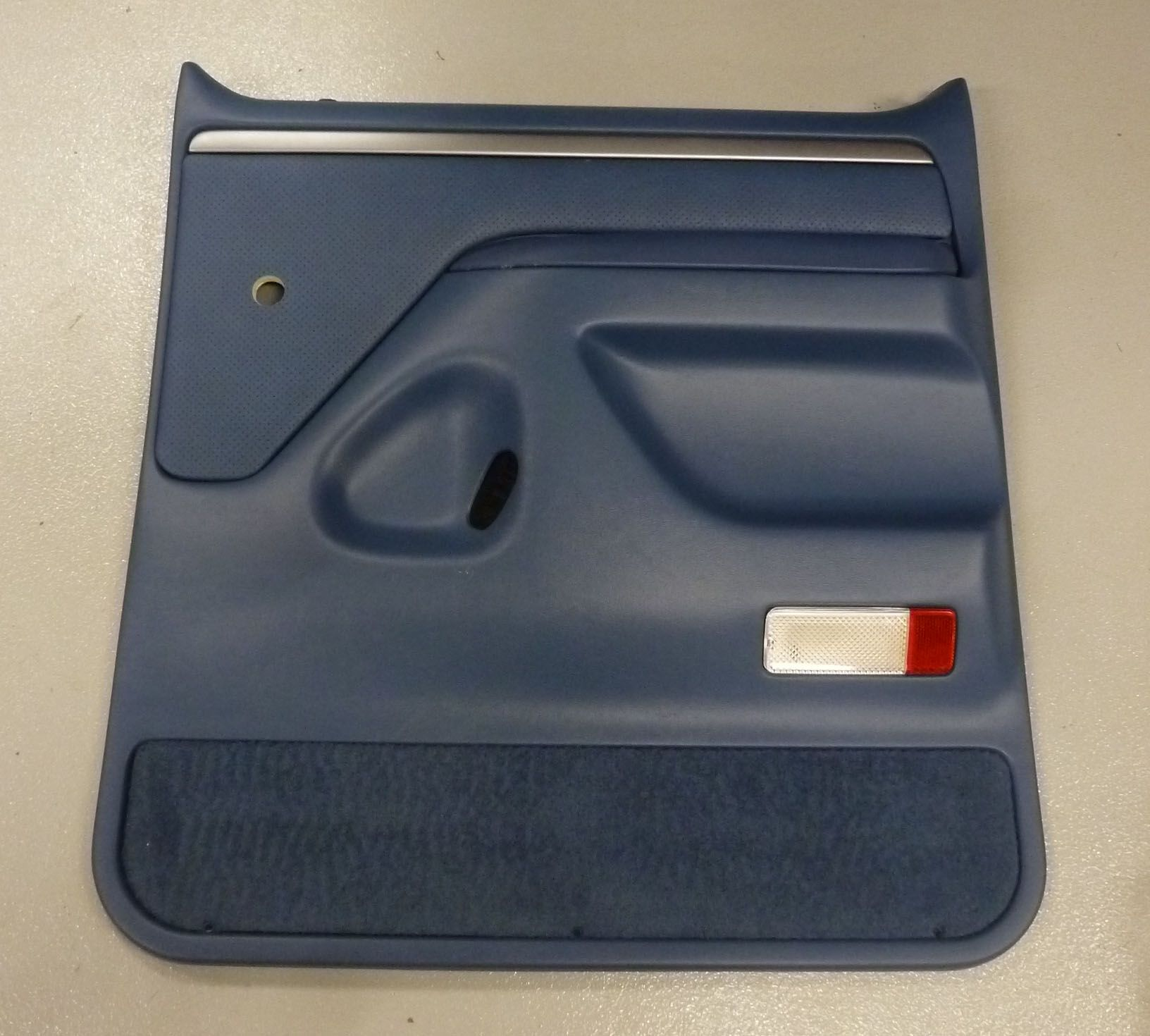 1992 1997 Ford F Series Truck Right Rear Door Panel Blue Manual Explorer Lock Schematic Window Locks Broncograveyardcom