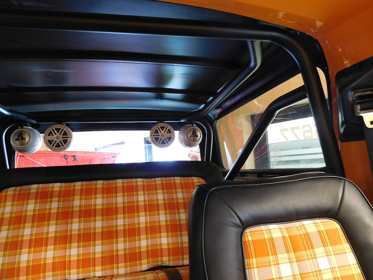 78 79 Bronco Overhaulin Family Roll Bar Cage